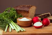 picture of radish  - Black bread radishes parsley onion and dill - JPG