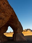 Tin Lebbo Arch - Natural Rock Arch - Akakus (acacus) Mountains, Sahara, Libya
