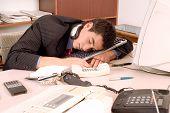 Kaufmann, schlafen im Büro