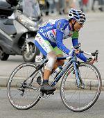 BARCELONA - 27 de marzo: Ciclista de Andalucía Caja Granada que Adrian Palomares solo paseos durante el recorrido