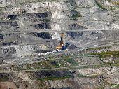Постер, плакат: Экскаватор в шахта Коркино Челябинской области