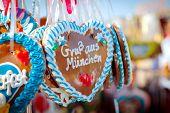 Oktoberfest corazones
