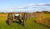 picture of battlefield  - A cannon on the battlefield at Gettysburg National Military Park - JPG