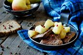 Liver With Apples