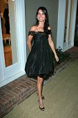 Angie Harmon at the Oscar De La Renta Boutique Opening Benefiting EIF Women's Cancer Research Fund.
