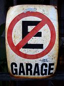 No Parking Spanish Sign