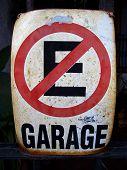 No Parking Spanish Sign