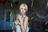 image of meerkats  - Bride with meerkat in flat waiting her groom - JPG