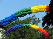 Balões de arco-íris