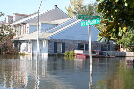 pic of katrina  - this photo shows the flooding incurred in new orleans in the aftermath of hurricane katrina - JPG