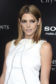 LOS ANGELES - 12 de ago: Ashley Greene en el estreno de 'pantalla gemas & Constantin Films ' The Mortal