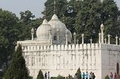 Moti Masjid, In English Pearl Mosque, Delhi