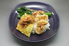 image of crispy rice  - Boiled rice with Shrimp paste chili sauce with green vegetable and crispy pork - JPG