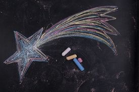 pic of poinsettia  - Graphical representation with chalk on the blackboard of the poinsettia - JPG
