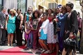 LOS ANGELES - MAY 19:  Chaka Kahn & Mother Sandra, family at the Chaka Kahn Hollywood Walk of Fame S