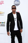 LAS VEGAS - 22 de maio: Trey Songz chegando no Billboard Music Awards de 2011, no MGM Grand Garden Aren