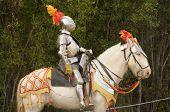 Cavaleiro medieval em cavalo