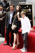 LOS ANGELES - MAY 23:  Simon Fuller, Victoria Beckham, Brooklyn Beckham at the Simon Fuller Hollywoo