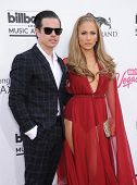 LAS VEGAS - MAY 18:  Jennifer Lopez & Casper Smart arrives to the Billboard Music Awards 2014  on Ma