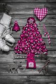 Christmas Decoration: Shabby Chic Or Country Style In Vintage Look In Pink.