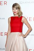 NEW YORK-AUG 11: Singer Taylor Swift attends the premiere of