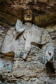An enormous Bodhisattva