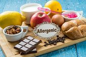 Постер, плакат: Products that cause allergy