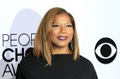 LOS ANGELES - JAN 8: Queen Latifah at The People's Choice Awards at the Nokia Theater L.A. Live on J