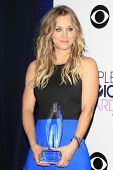 LOS ANGELES - JAN 8: Kaley Cuoco at The People's Choice Awards at the Nokia Theater L.A. Live on Jan