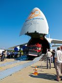 Antonov Volga-dnepr An-124-100 Nose Door Open