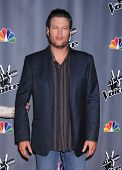 LOS ANGELES - NOV 07:  BLAKE SHELTON arrives to the The Voice Season 5-Top 12  on November 7, 2013 in Universal City, CA