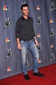 LOS ANGELES - NOV 07:  ADAM LEVINE arrives to the The Voice Season 5-Top 12  on November 7, 2013 in