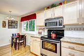Kitchen With Dining Table Set