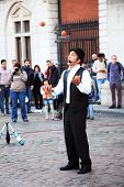 street performer juggling