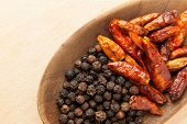 picture of peppercorns  - Hot spices - JPG