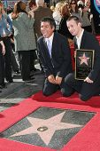 Los Angeles, ca Dec 14: Freddie Prinze Jr.; George Lopez in einer Zeremonie, wo Freddie Prinze Hono ist