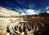 binnenkant van het Colosseum in Rome, Italië