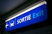 Sortie / Exit Sign