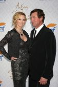 LOS ANGELES - OCT 13:  Janet Jones Gretzky, Wayne Gretzky at the 10th Alfred Mann Foundation Gala at