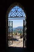 foto of entryway  - Looking out at the Trapps valley from the Skytop entryway - JPG