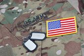 Us Army Camouflaged Uniform With Us Flag Patch And Blank Dog Tags