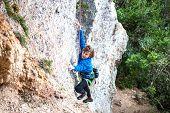 Постер, плакат: The Boy Climbs The Rock