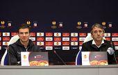Edin Dzeko And Roberto Mancini Of Manchester City