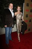 BEVERLY HILLS - DEC 16: Eric Stonestreet and Julie Bowen at the Larry King Live final show wrap part