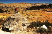 Rocas por el desastre del aluvión de 1970 en el valle de Cohup, Cordiliera Blanca, Perú, Sudamérica