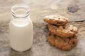Fresh Milk And Cookies