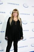 .LOS ANGELES - OCT 14: Stevie Nicks Ankunft bei der Clinton-Stiftung