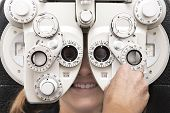 eye test phoropter hand