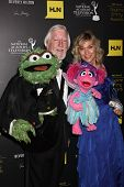 LOS ANGELES - JUN 23: Caroll Spinney, Leslie Carrara Rudolph with puppets Oscar the Grouch, left, Ab