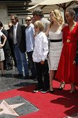 LOS ANGELES - AUG 6: Michelle Pfeiffer, David E Kelley, children Claudia, John as Michelle Pfeiffer